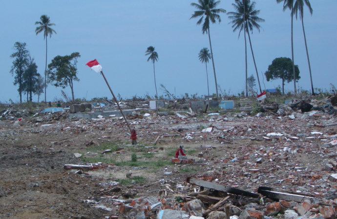 tsunamindonesia-690x450 Tsunami Indonesia: 15mila sfollati