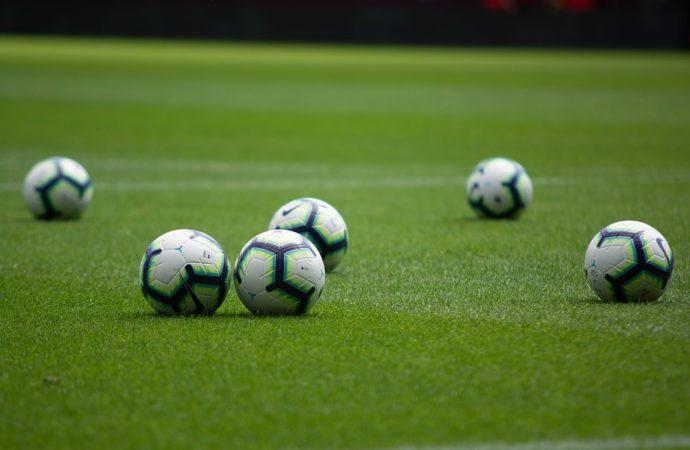 calcio-palloni-690x450 Figc in campo per il Bambino Gesù
