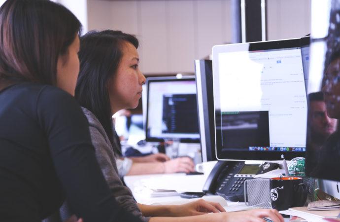 lavoro-ufficio-690x450 Tech for good ha impatto sociale