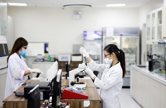 laboratoriomedico-690x450 Anche migranti sviluppano allergie