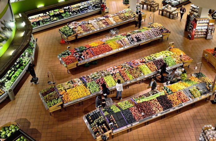 Fresh-Supermarket-Stalls-Coolers-Market-Shop-Food-949913-690x450 A Roma recupero ortofrutta invenduta