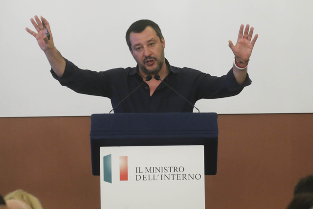 Matteo_Salvini_Prefettura027 Salvini: censire campi rom