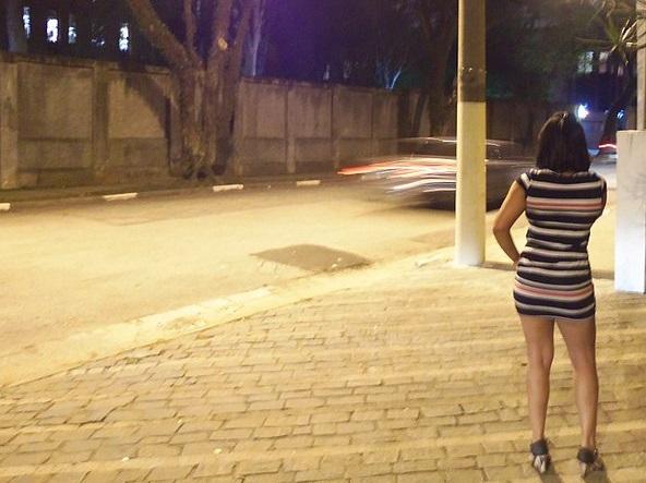 prostituta Facevano prostituire 13enne, 6 arrestati