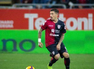 Cagliari in campo con una maglia speciale