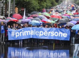 Napoli, Primalepersone in piazza