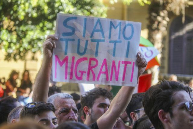 ABPH6926 Parte domani Lampedus'amore