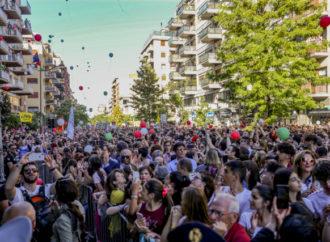 Rainbow-Glitter-Lesbian-Gay-Pride-Gay-Lgbt-3805222-690x450 Mediterranean Pride Naples il 22 giugno