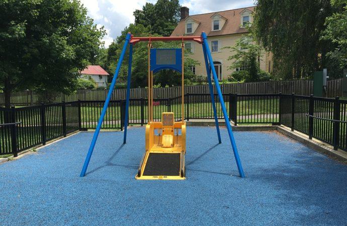 parco-giochi-accessibile-690x450 Un parco per persone con disabilità