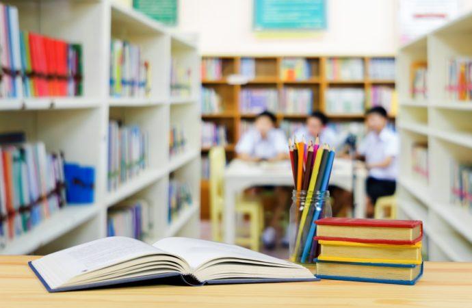 scuola-libri-690x450 Di mano in mano contro il caro libri