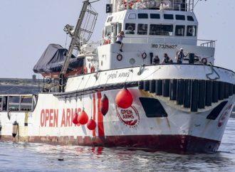 Open Arms ha soccorso 40 persone