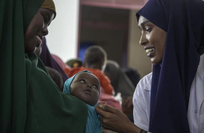 UN0316281-690x450 Rapporto Unicef su salute materna