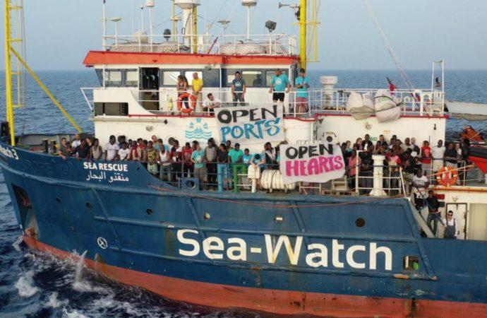 seawatch-twitter-690x450 Sea Watch approda a Lampedusa