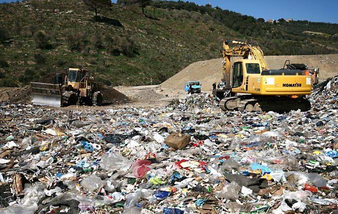 ecomafie-rifiuti-690x437 Il rapporto Ecomafie di Legambiente