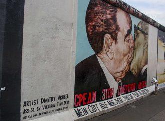 Berlino da 31 anni senza die Mauer