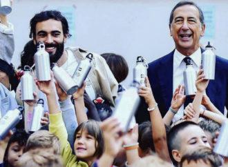 Milano, borracce agli studenti