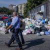 Le foto | I rifiuti di Napoli ovest