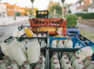 A Londra si vende il latte in vetro