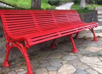 Panchina rossa contro violenza donne
