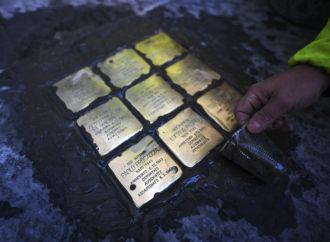 Napoli, installate 9 pietre d'inciampo