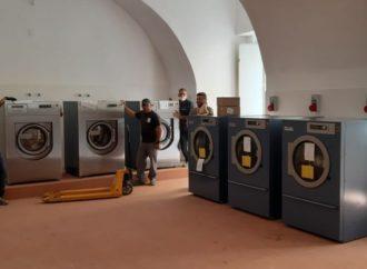Napoli, lavanderia sociale per senzatetto