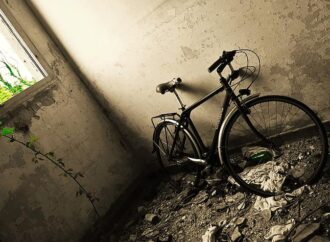 I cimiteri di biciclette in Oriente