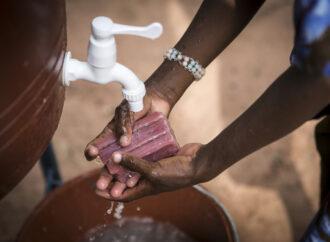818 milioni di bambini non possono lavarsi le mani